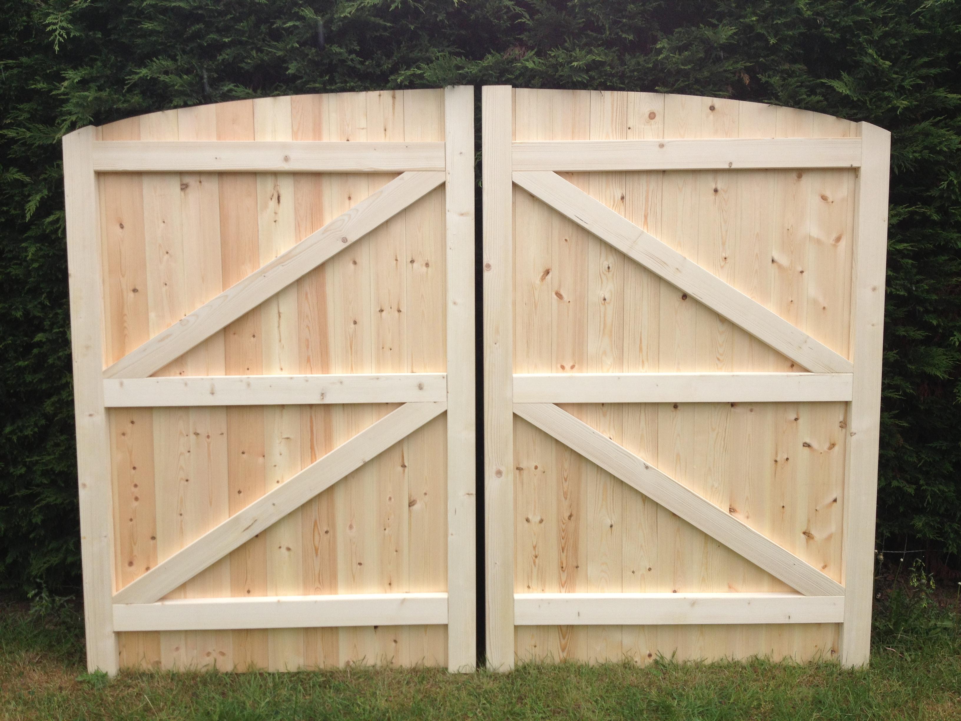 Wooden Driveway Gates 12ft Span